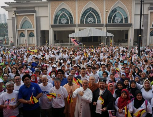 Sarawakians put religion aside to participate in Interfaith Harmony Walk